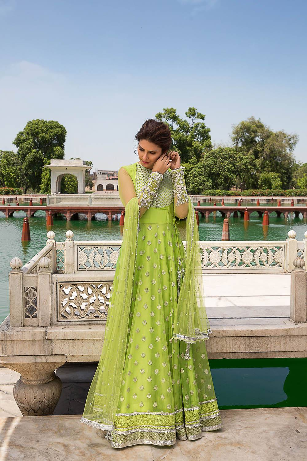 Best Pakistani Wedding Dresses And Frocks For Women From The Top Collections Online Shopping In Pakistan